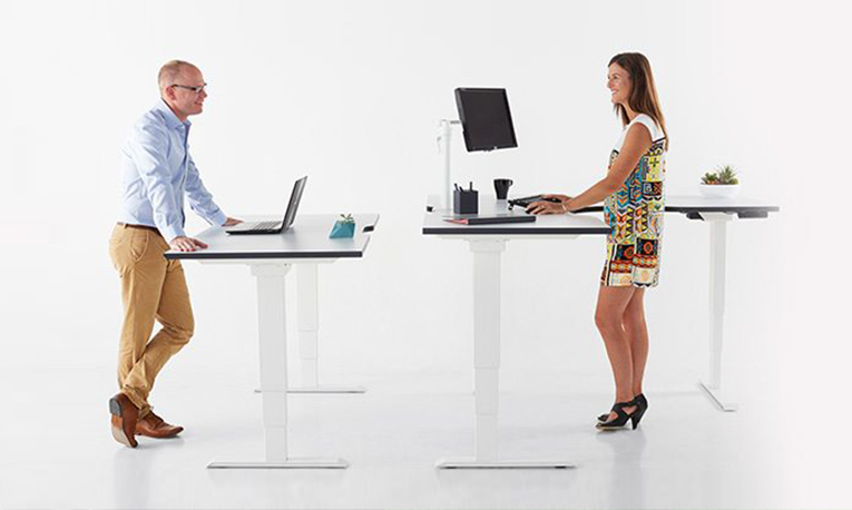 The Benefits of Stand Up Desks